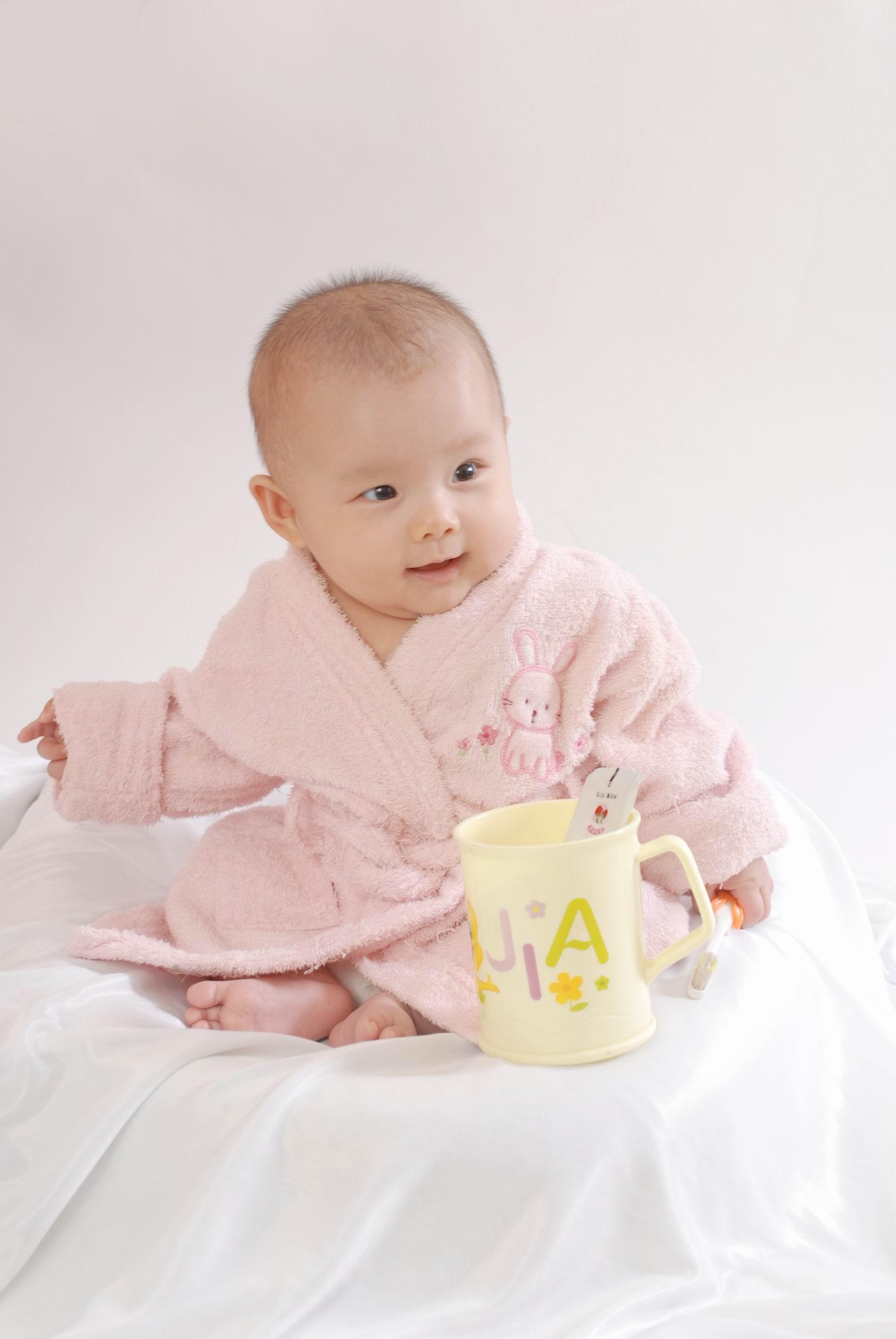 宝宝 壁纸 儿童 孩子 小孩 婴儿 1555_2323 竖版 竖屏 手机